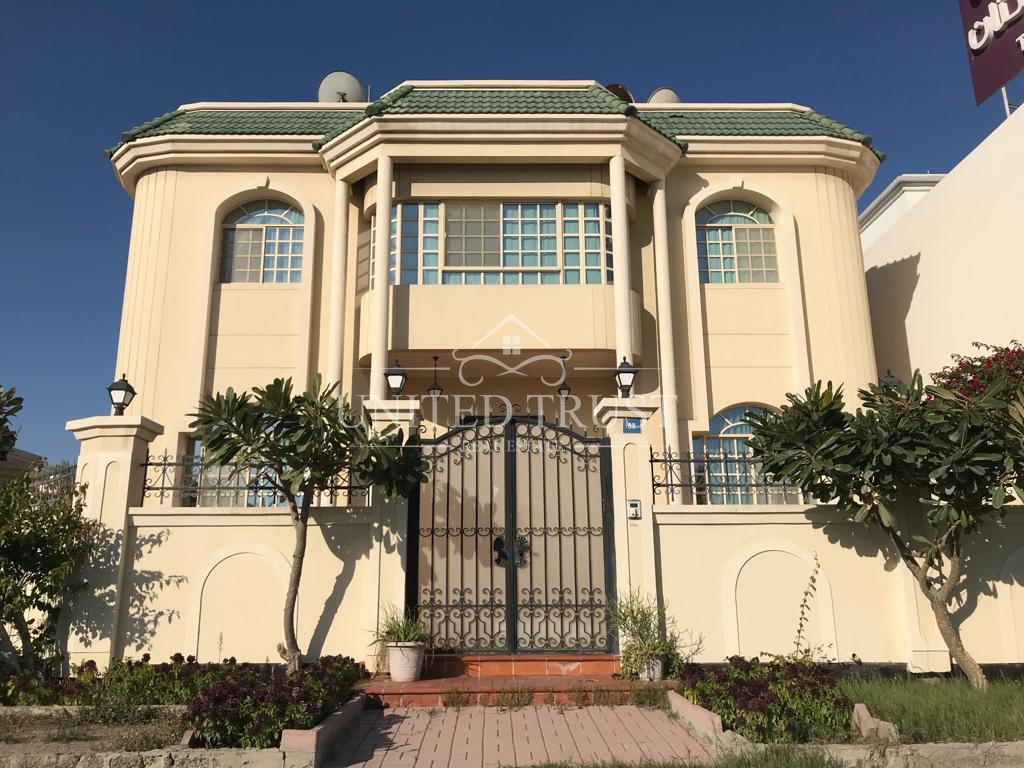 For sale commercial villa in Zinj Ref: ZIN-AB-001
