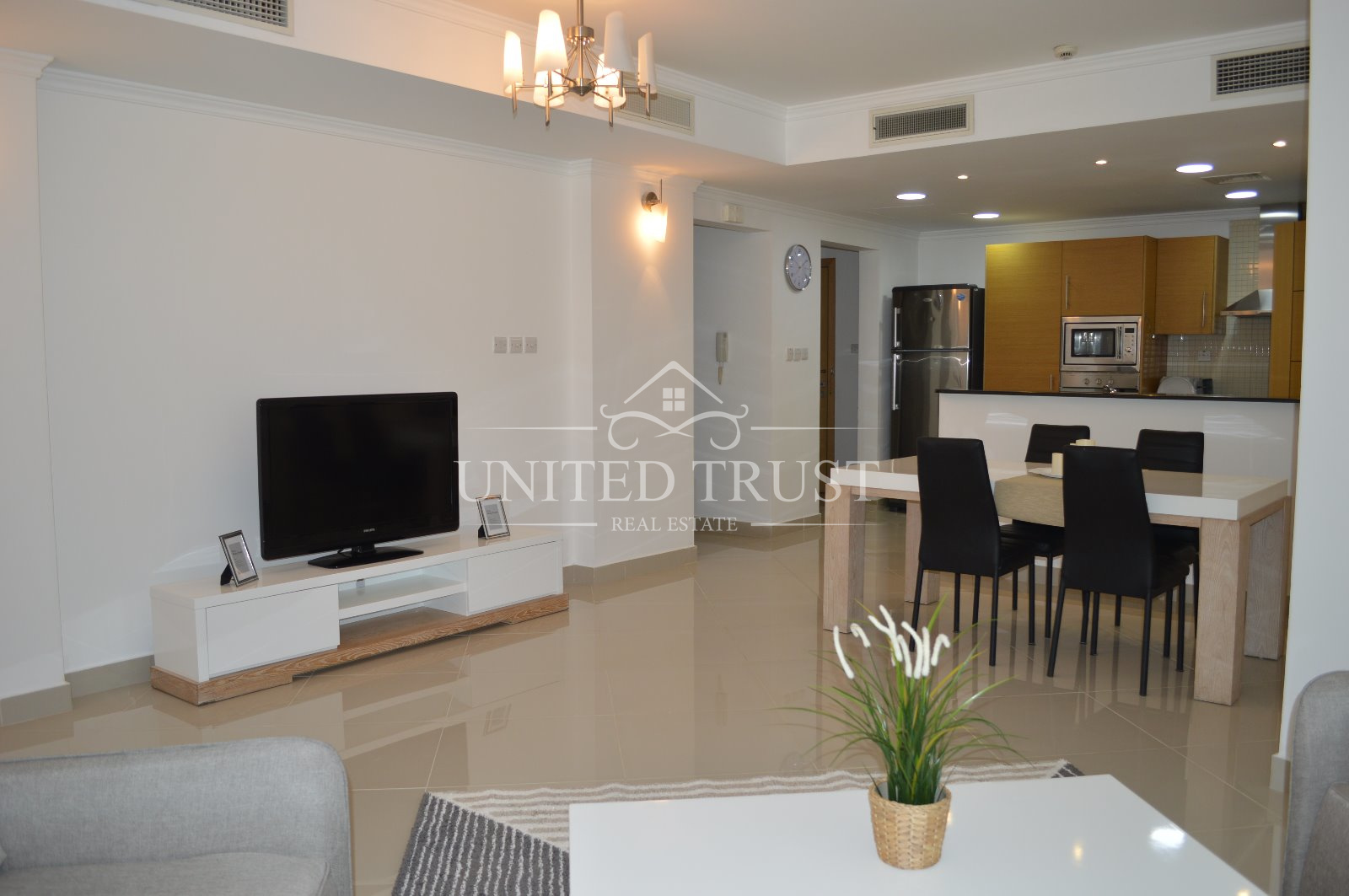For rent a modern fully furnished 2 bedroom flat in Amwaj Ref: AMW-MB-027