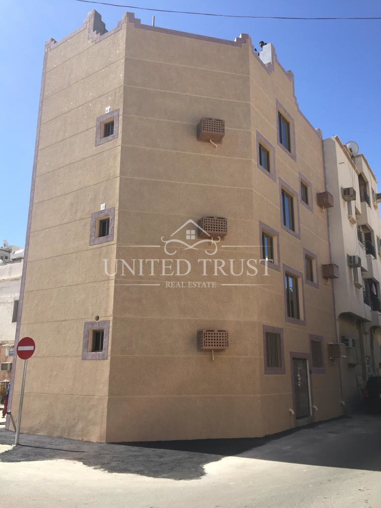 For sale a new building behind kuwaiti building  Manama consists of 8 apartments  Ref: MAN-MB-002