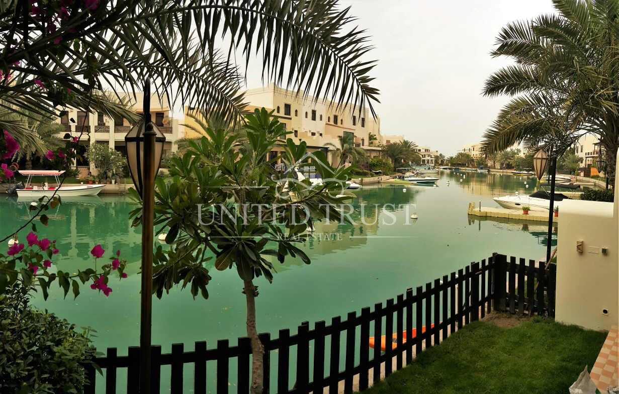 For rent villa in Amwaj floating city Ref: AMW-AB-028