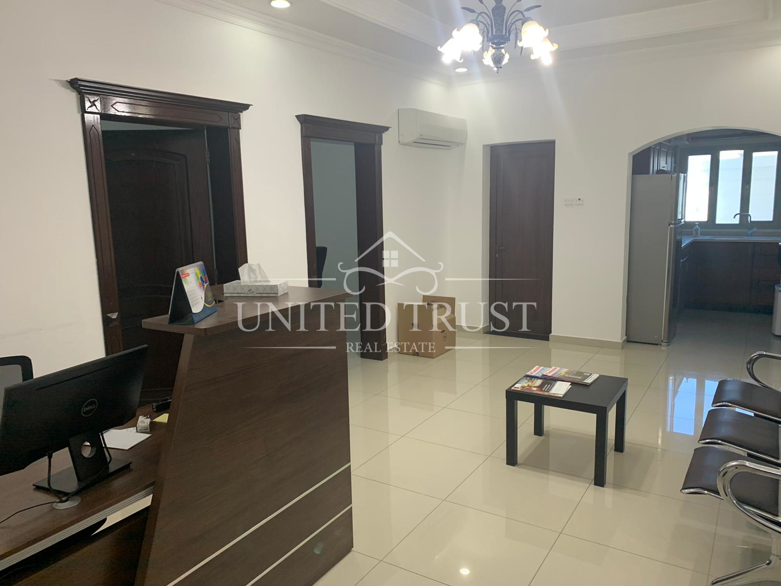 Office semi furnished for rent in mahouz Ref: MAH-MB-005