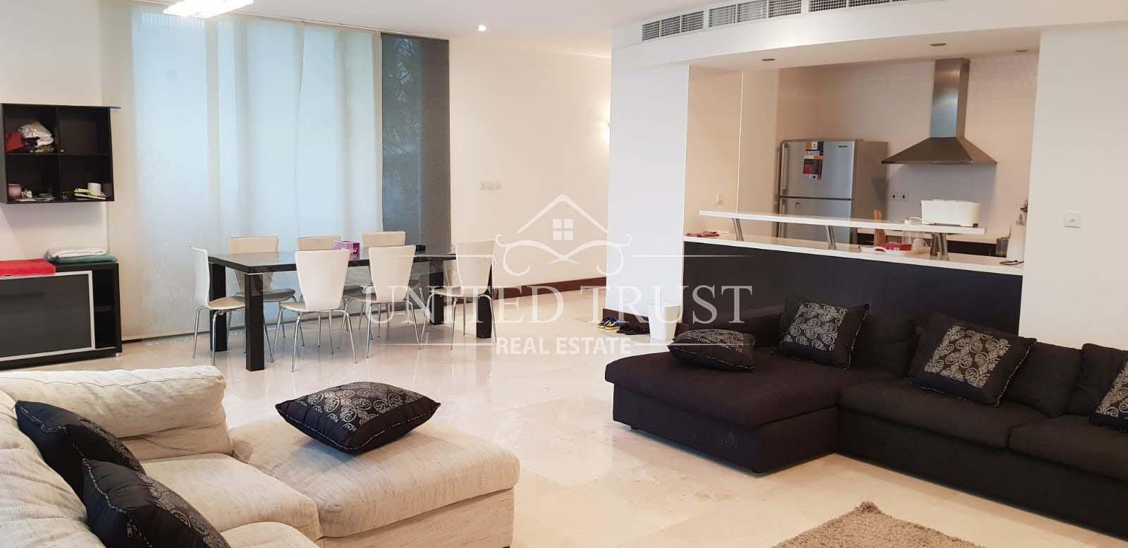 For sale villa in durrat Bahrain jetty/pool.very prime location Ref: DUR-AB-004