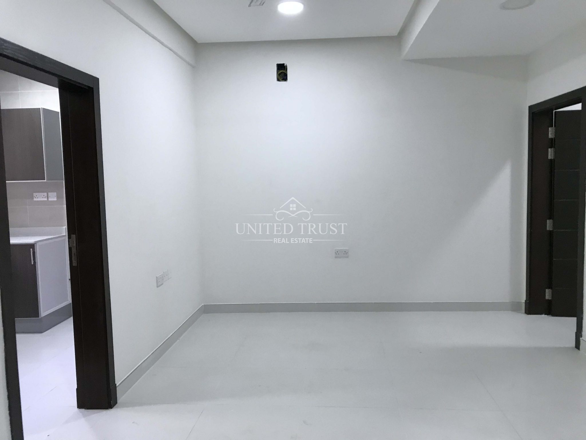 For rent a new flat in Om Alhassam 2 bedrooms Ref: OMH-AZ-001