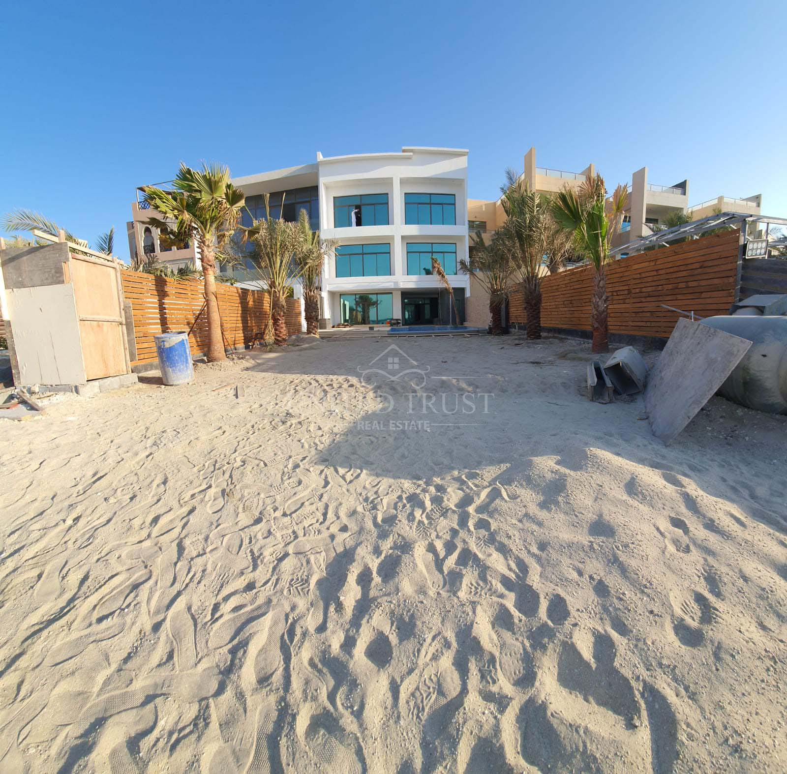For sale villa in Amwaj open sea. Ref: AMW-AB-041
