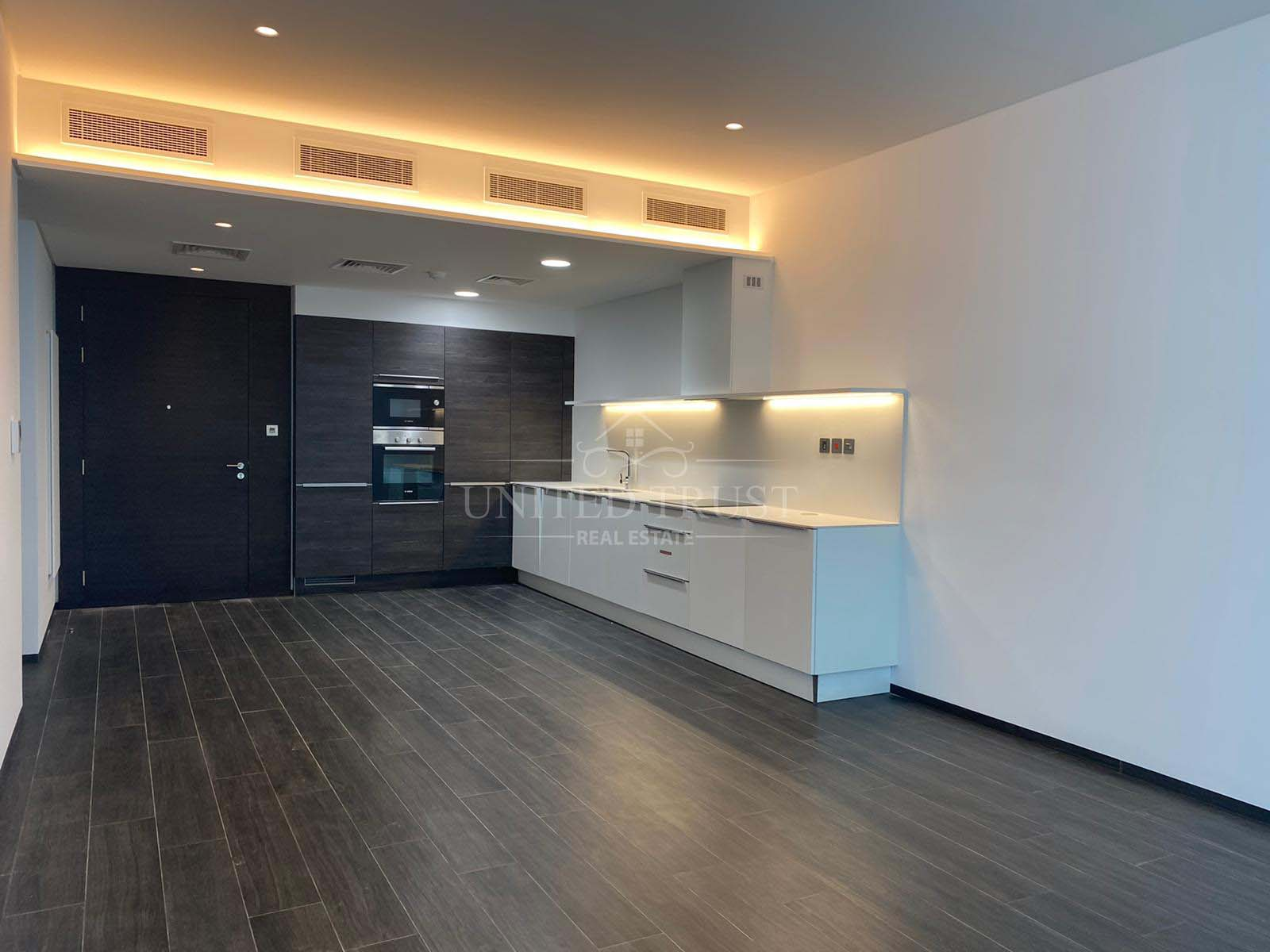 For Sale Luxury Apartment in Financial Harbour Ref: BBA-SB-017